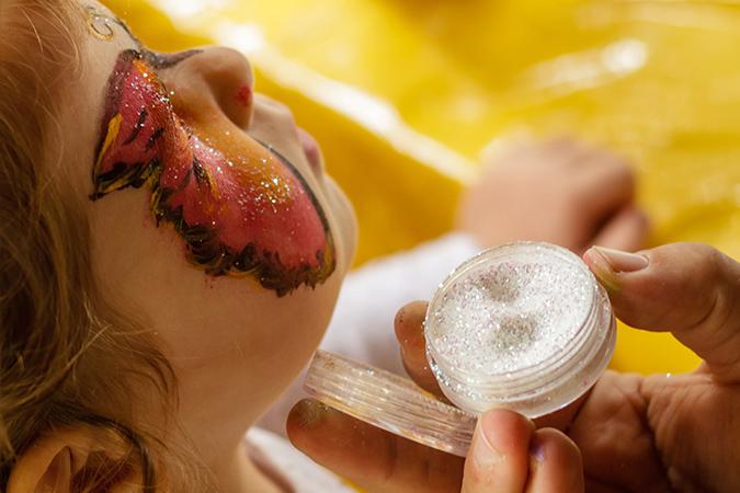 Kinderspass Galerie Wiener Platz Kinderschminken